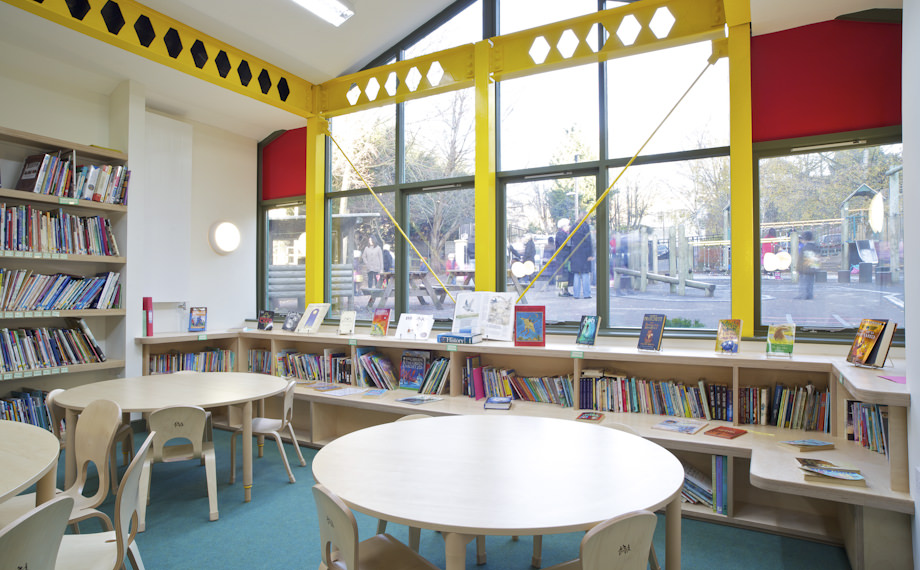 CaSA-St Andres Primary-Bath-library-010-LAND.JPG