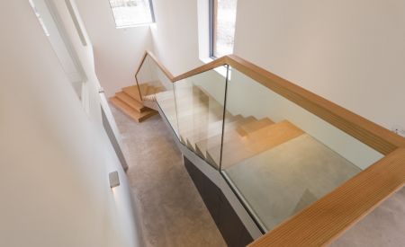 CaSA-Beacon Edge-Bath-staircase-066-LAND.jpg